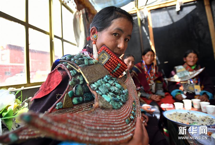 (文化)(1)孔雀服饰——穿在身上的千年历史